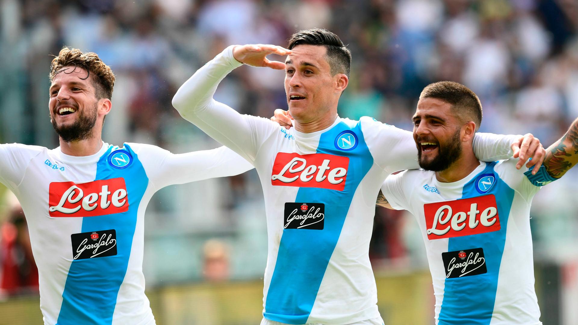 Napoli players celebrating Serie A 2016-17