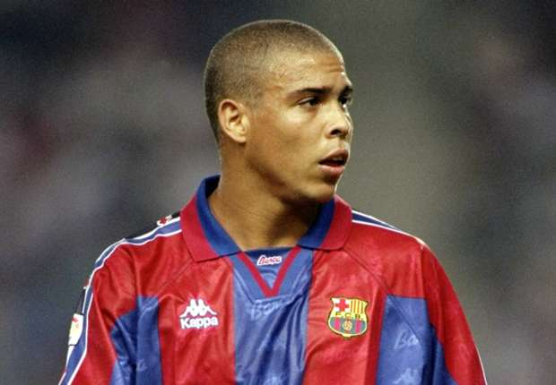 Gaspart dressed as a waiter - How Barcelona signed Ronaldo from PSV