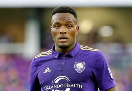 Canada adds Larin to roster