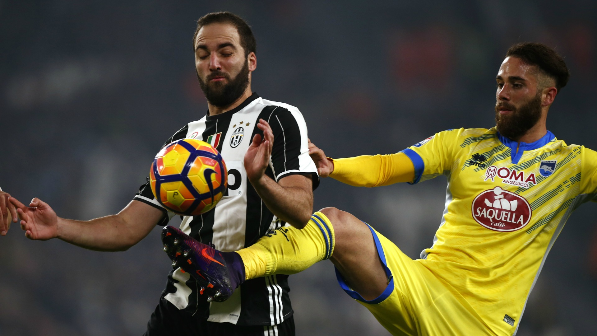http://images.performgroup.com/di/library/GOAL/32/22/gonzalo-higuain-juventus-pescara-serie-a_/1wfoevpf7br8218fa5ssjebo36.jpg