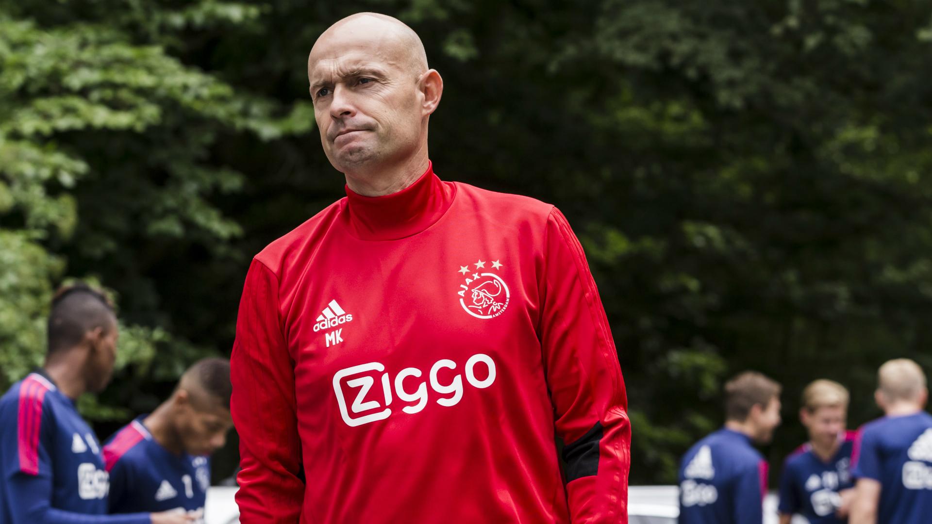 Ajax-fans uit Noord plaatsen spandoek bij huis Nouri