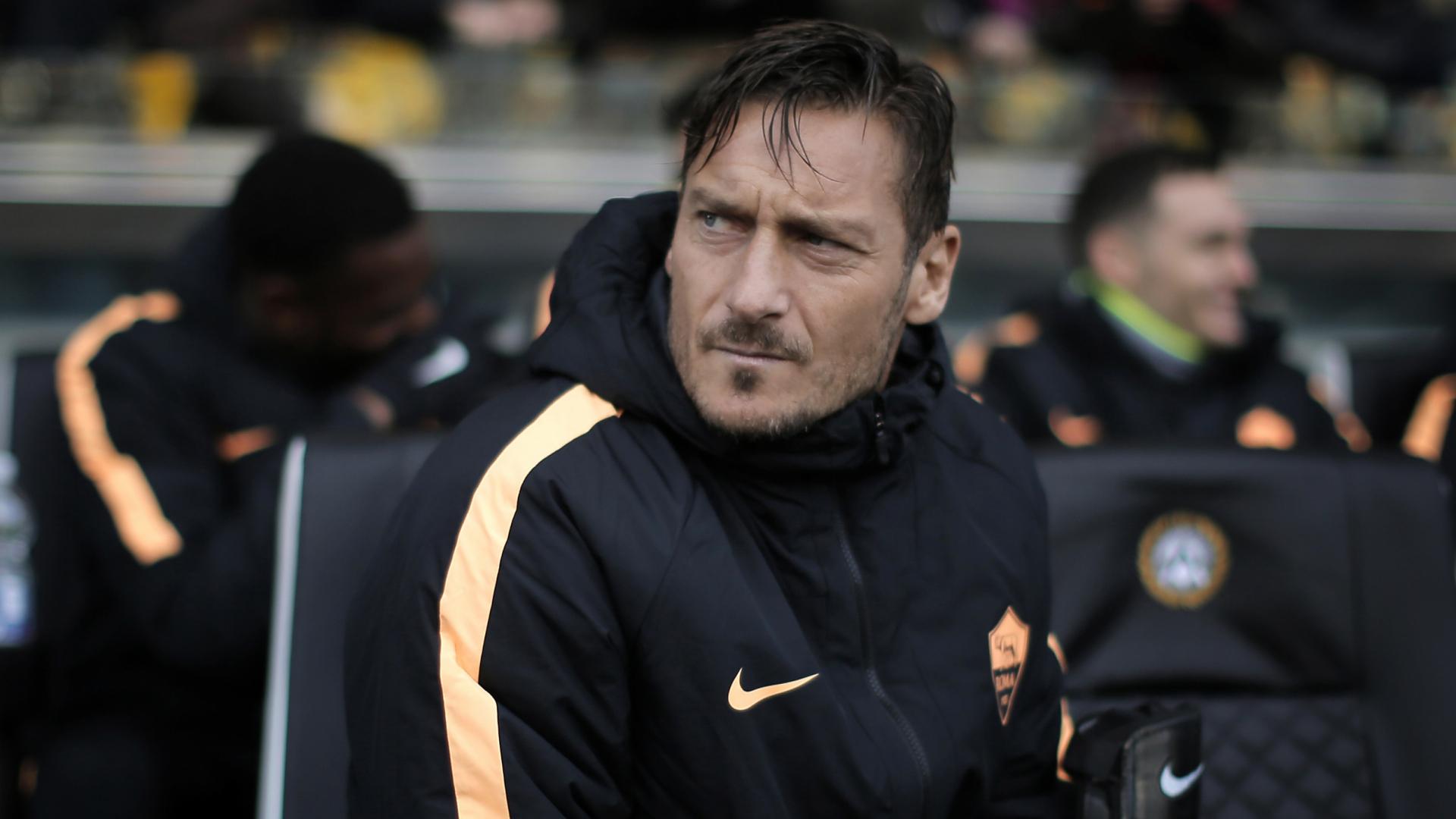 Totti e Ilary, quarto figlio in arrivo? Il calciatore fa chiarezza