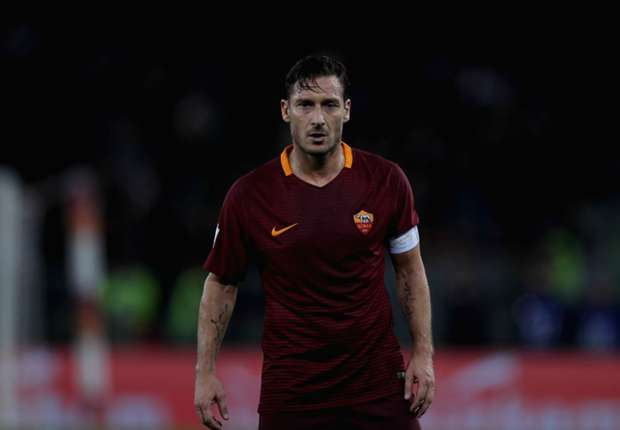 La Roma le ofrece a Totti un contrato por seis años… ¡como director deportivo!
