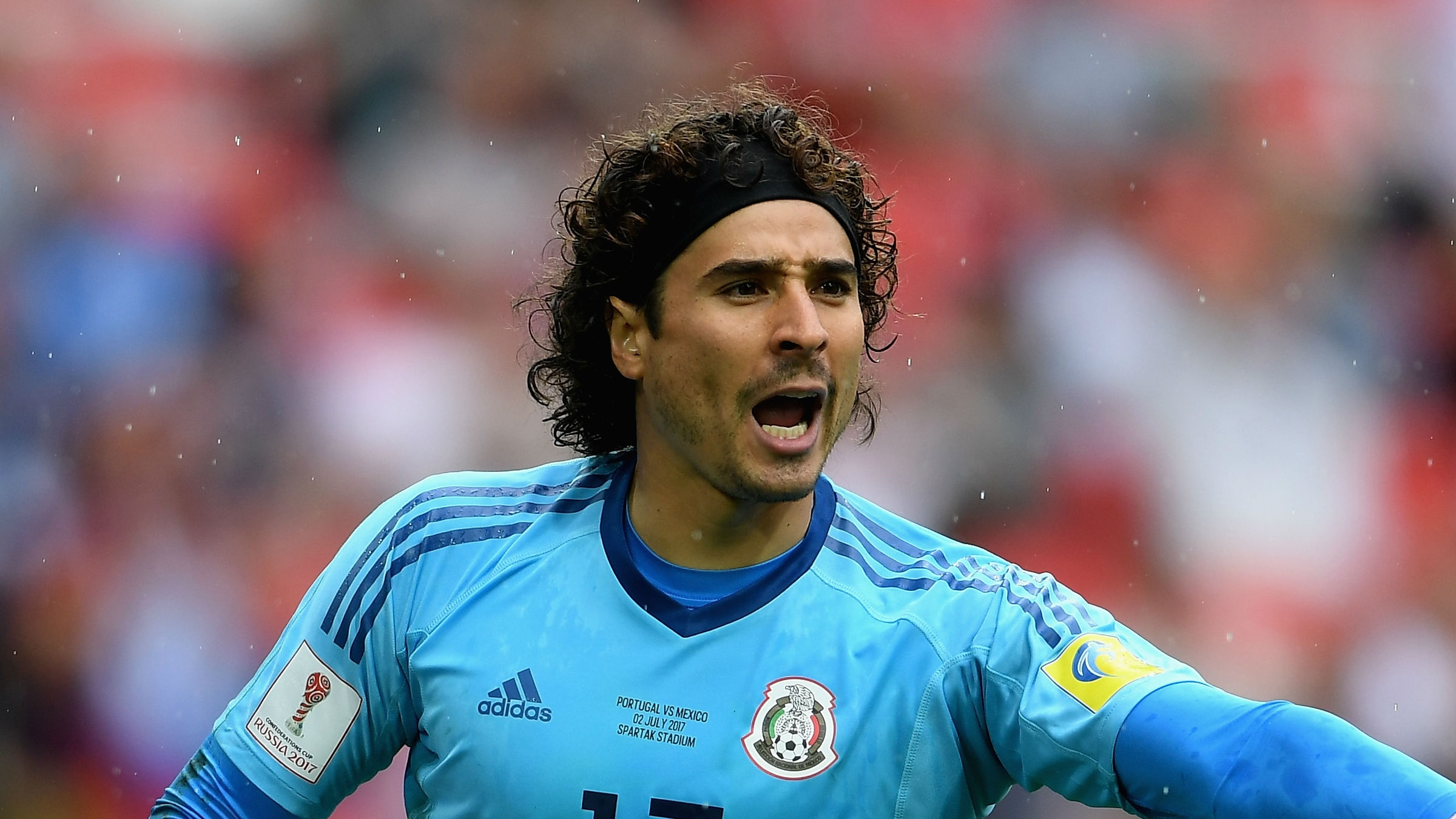 Mexico goalkeeper Guillermo Ochoa moves to Standard Liege ...
