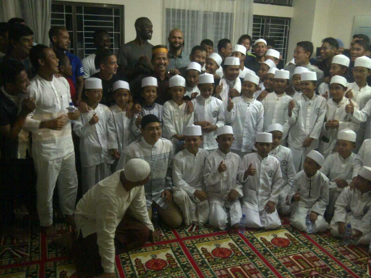 Doa Bersama Persib Bandung & Anak Yatim