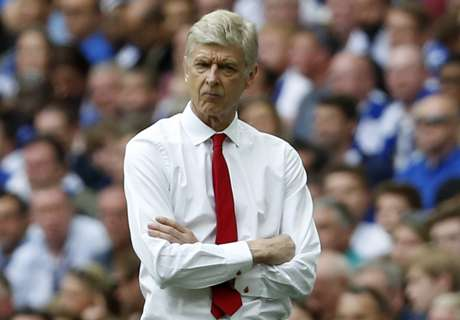 Wenger 'committed' to Arsenal stay