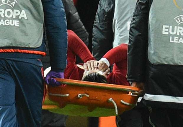 Rojo stretchered off as Man Utd defensive injury crisis continues