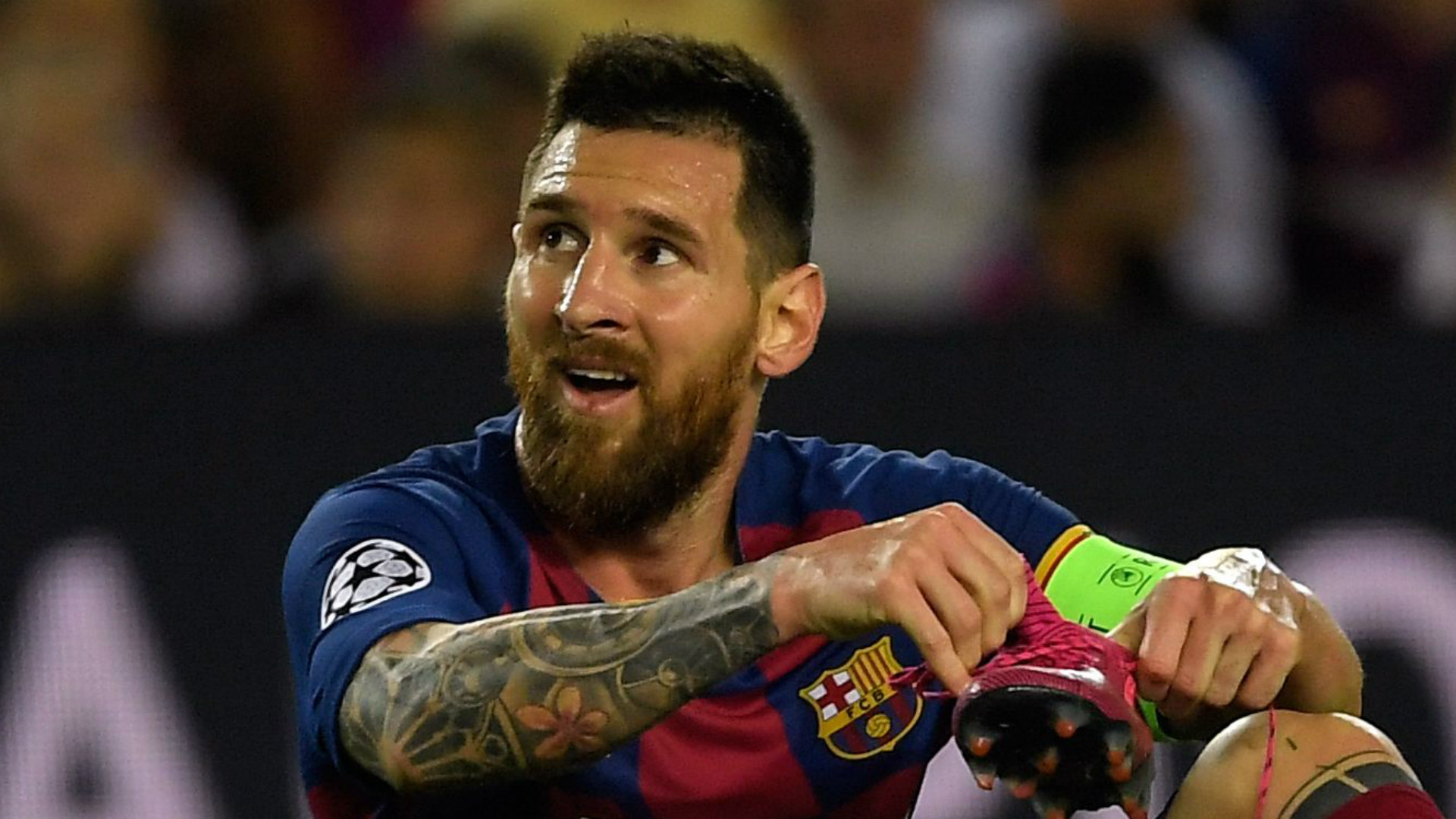 'They wait for Messi to do something' - Wenger says Barcelona 'play like a team in crisis'