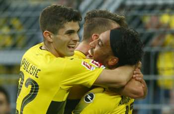Video: Pulisic opens 2018 with a slam dunk