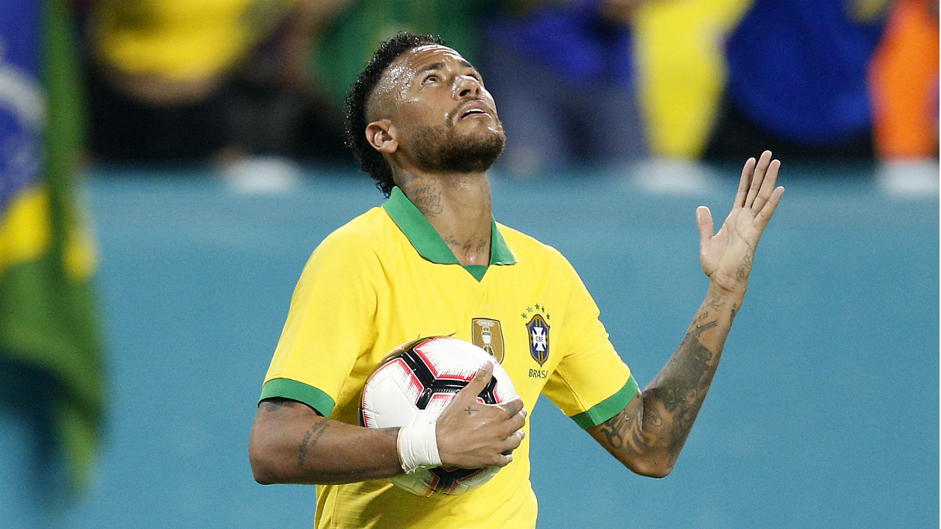 Neymar nets but Brazil fail to shake Colombia