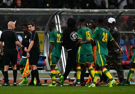 Fan riot in Paris ruins Senegal-Ivory Coast