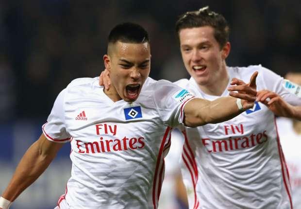 Erzielte bisher neun Tore in 23 Spielen: HSV-Stürmer Bobby Wood (li.)