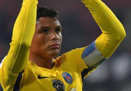 Após vitória, T.Silva pede calma a Neymar