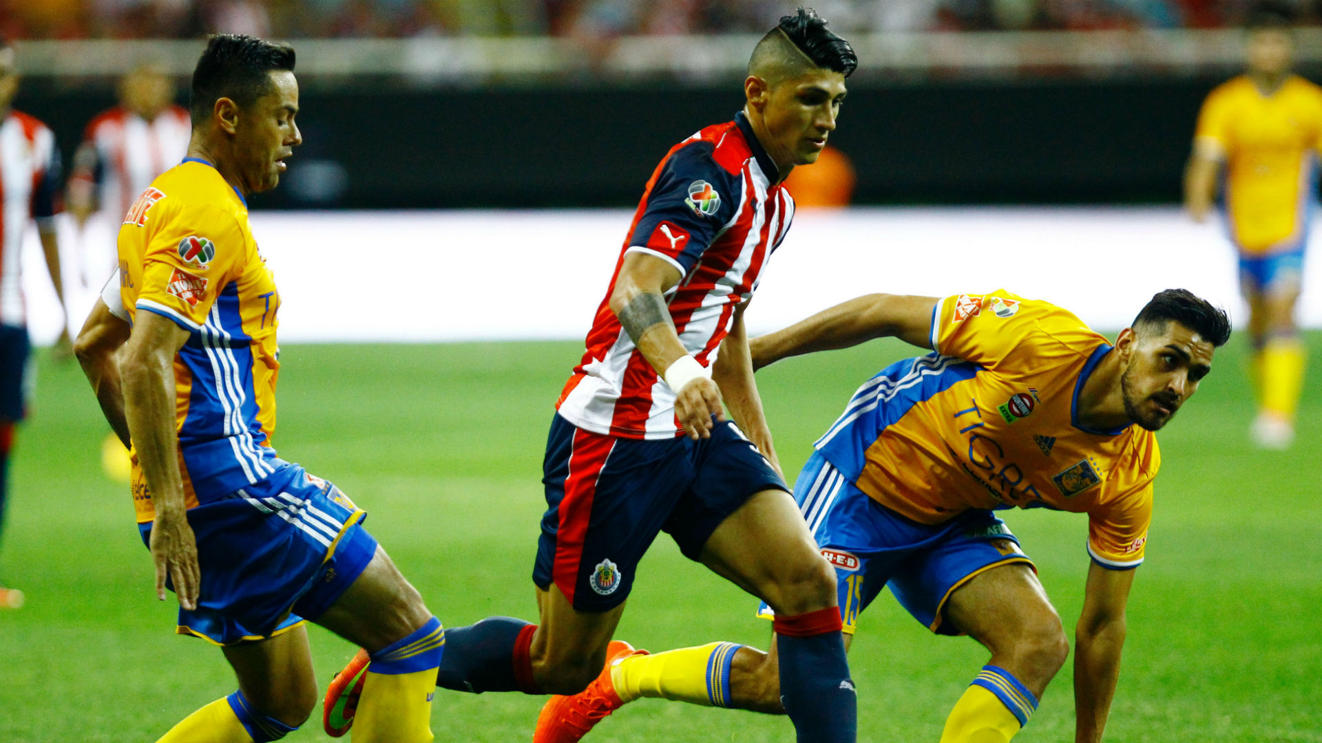 Alan Pulido Juninho Manuel Viniegra Chivas Tigres Liga MX