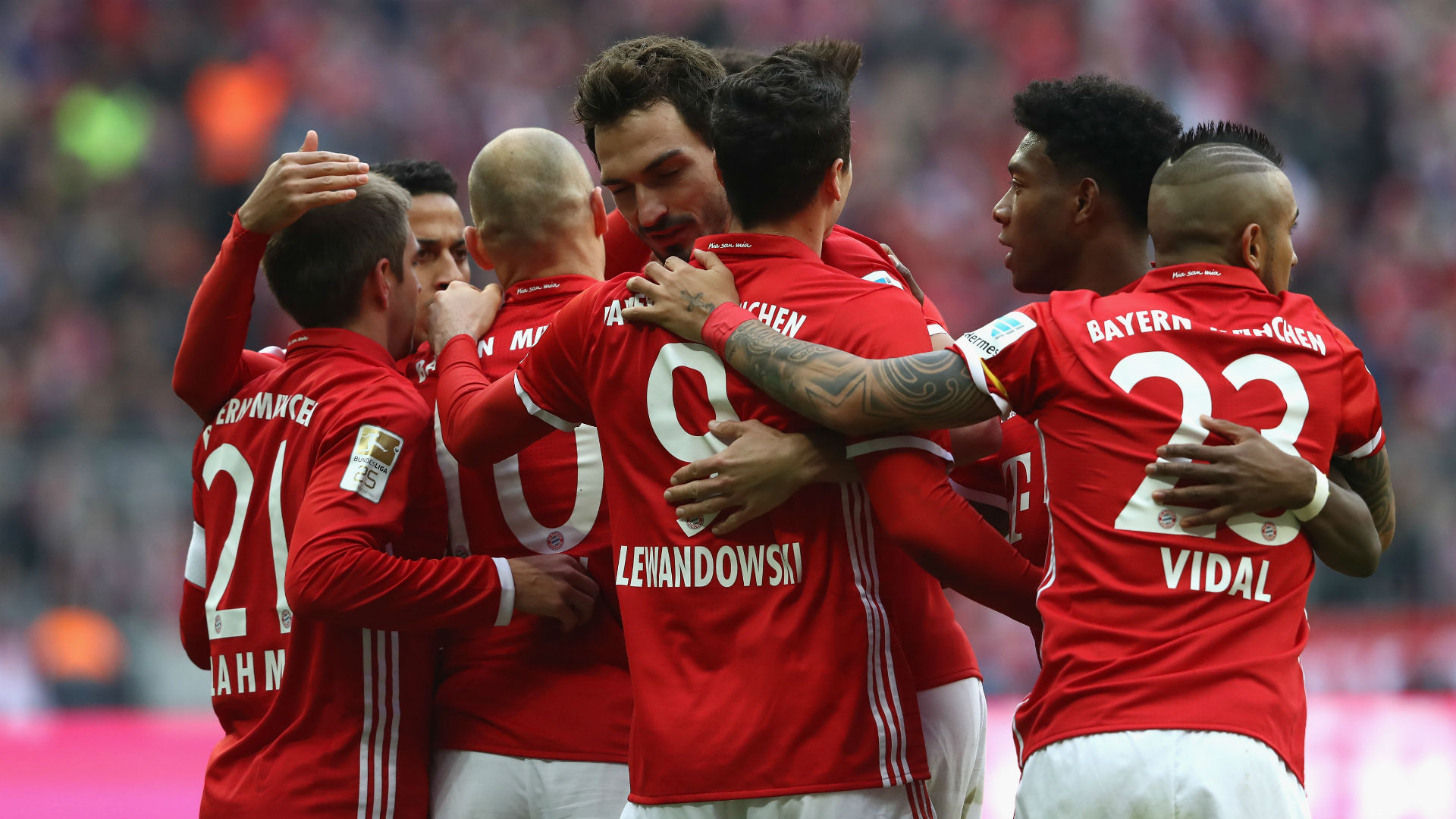 Bayern Munich celebrates Bundesliga 031117