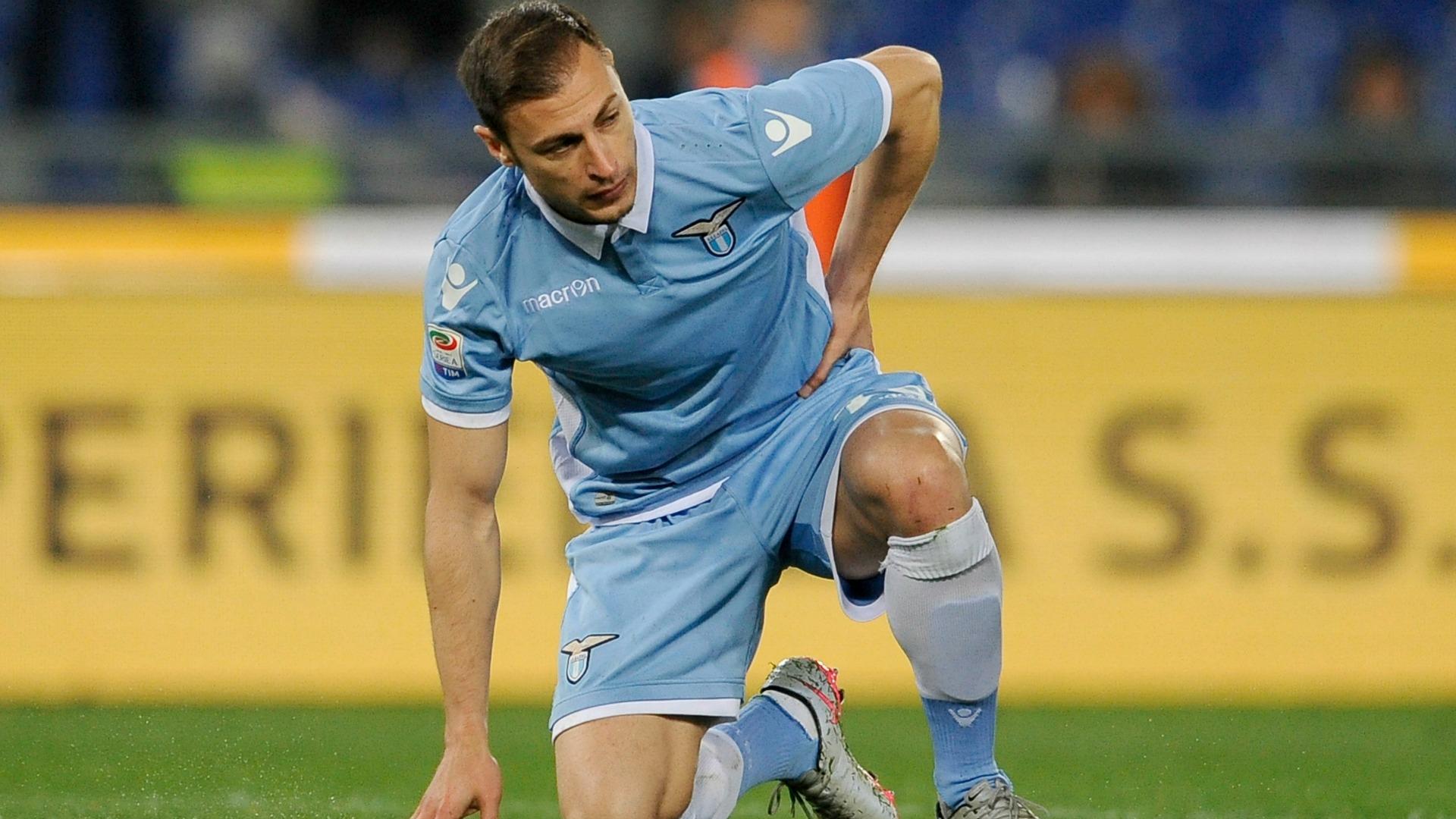 Radu, De Vrij, Biglia, acciaccati Lazio: