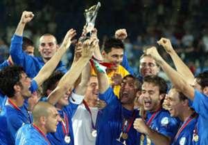 Niente da fare neanche nel torneo 2017: Italia Under 21 fuori alle semifinali. L'ultima vittoria degli azzurrini fu nel 2004, in un'edizione disputata in Germania. Dove sono ora i protagonisti di quell'impresa? Scopritelo in questa gallery.