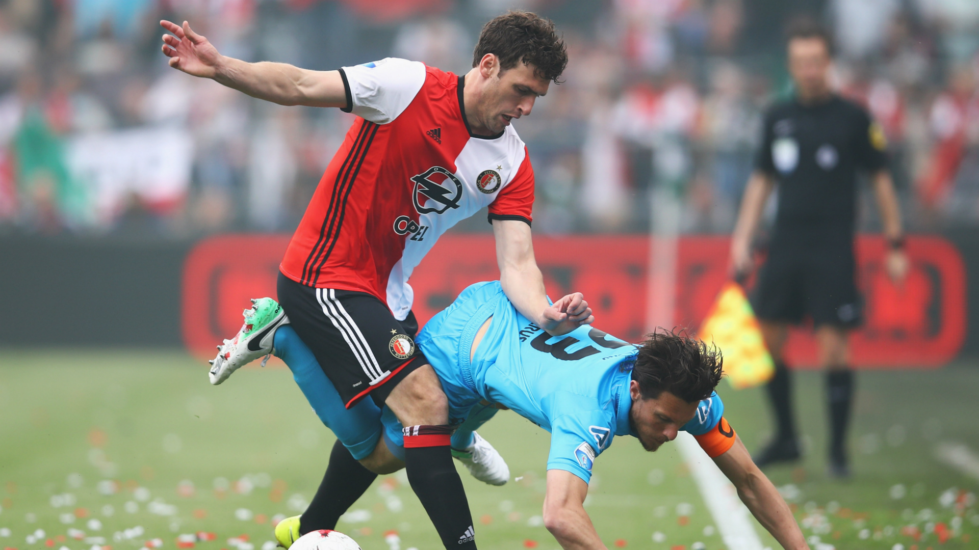 Dirk Kuyt hat-trick secures title for Feyenoord