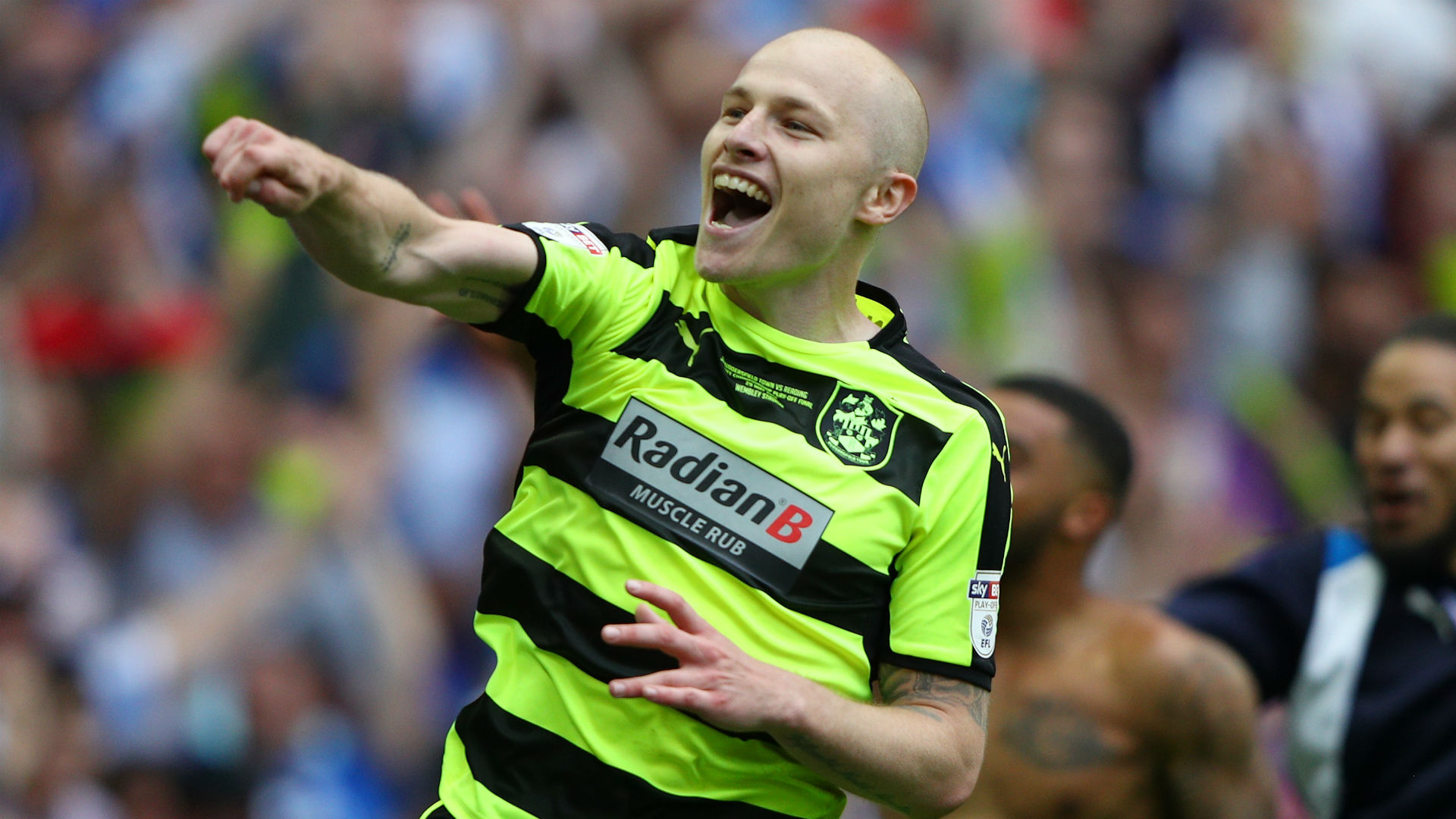 aaron mooy - photo #38