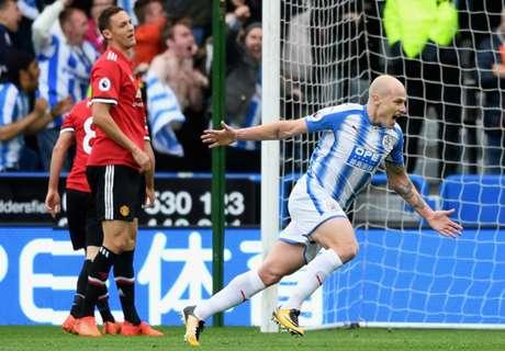 Manchester United Dipermalukan Huddersfield