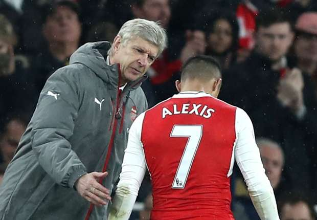 Arsene Wenger using text messages to try and convince Alexis to stay