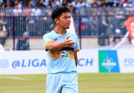 LIVE: Persela Vs. Persib