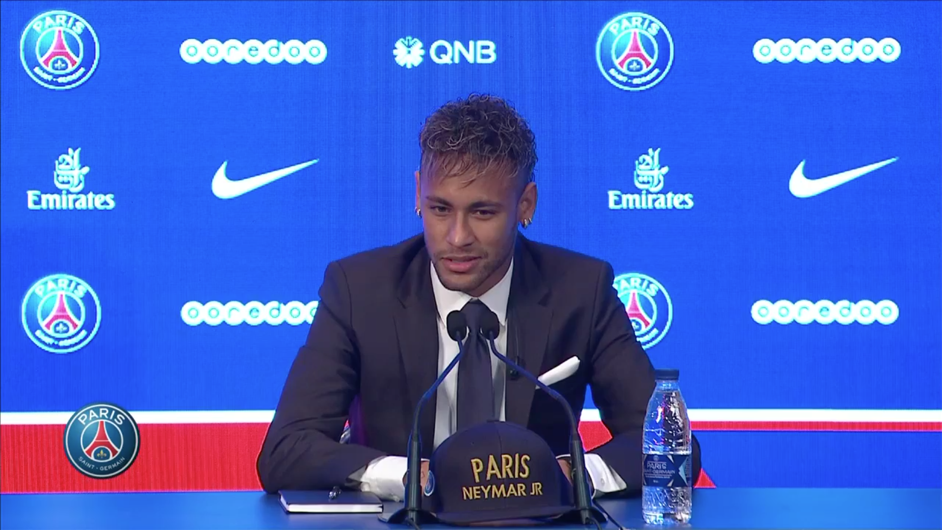 Neymar Unveiling screengrab 04082017