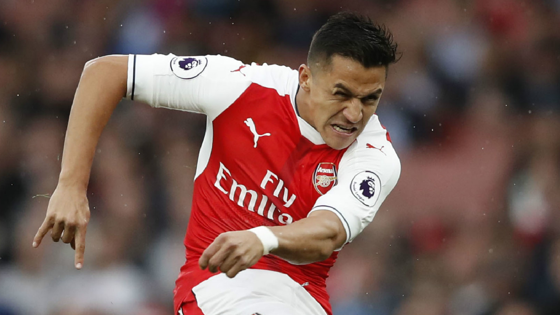 BAYERN STUNNED BY ALEXIS WAGE