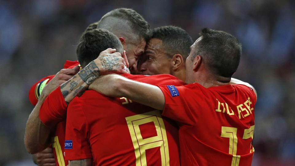 Spain celebrate 2018-19