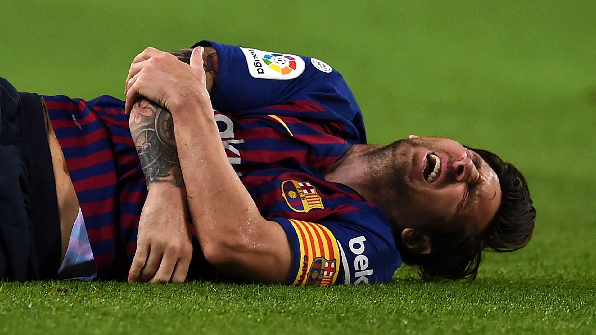 Lionel-messi-hurt-barcelona-sevilla_zfitn753d8uc1lbye8e7qbfr3