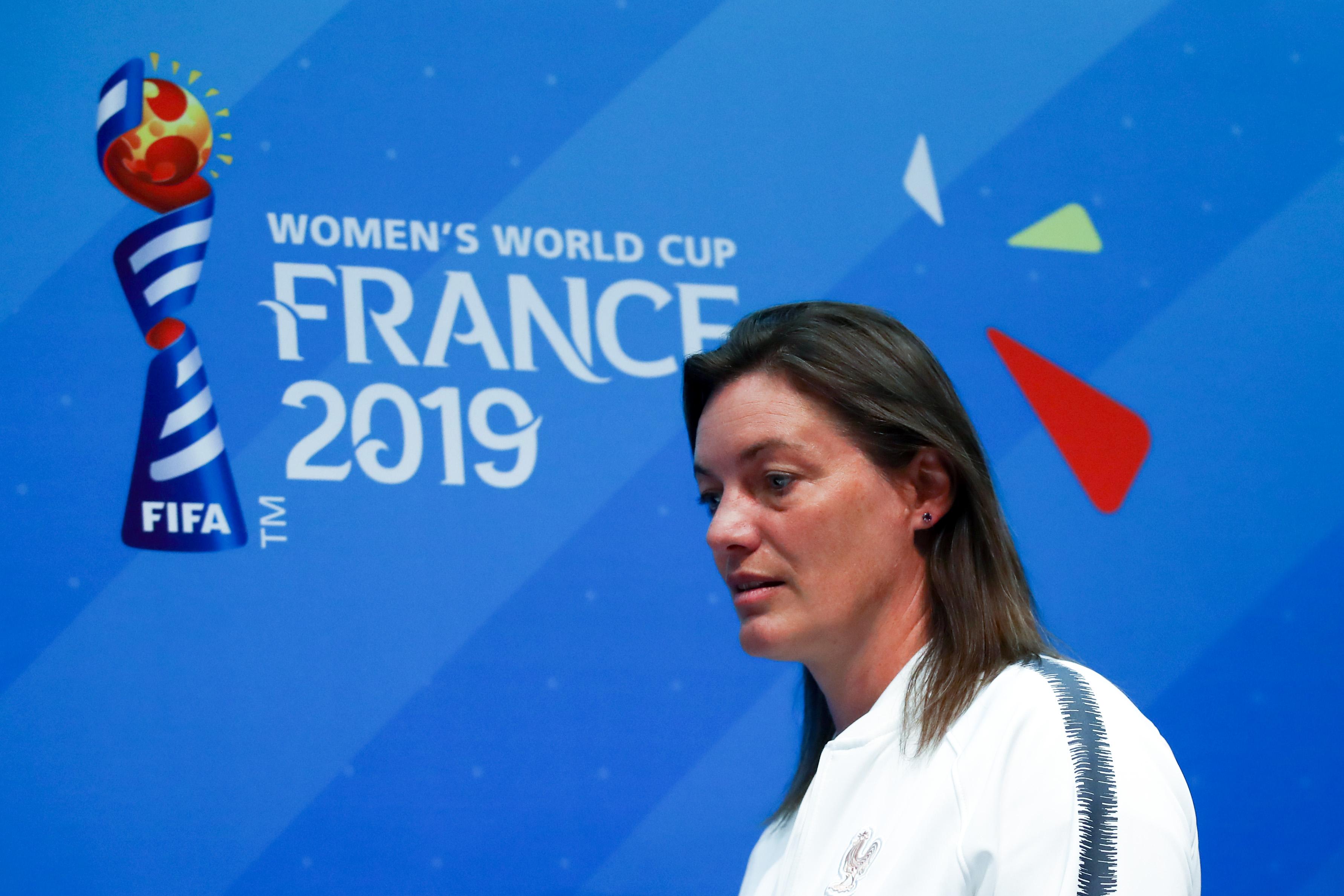 """Bleues - Corinne Diacre : """"J'espère qu'on a gagné autre chose : le coeur des gens"""""""