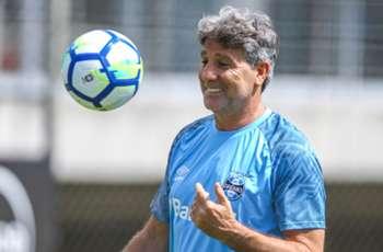 Tardelli chega a Porto Alegre com festa da torcida do Grêmio - Goal.com 3c9311a296933