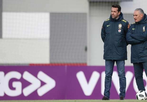 LIVE: Brazil training in Moscow - Douglas Costa set for rare start?