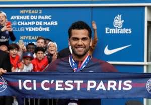 Près de 40 jours après l'ouverture du mercato, les clubs français se sont montrés entreprenants sur le marché des transferts. Les prochains jours s'annoncent également animés.