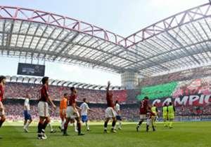 Il 16 maggio del 2004 il Milan festeggiava lo Scudetto a San Siro e Roberto Baggio giocava la sua ultima partita in carriera: ma dove sono finiti oggi i protagonisti di quel giorno?