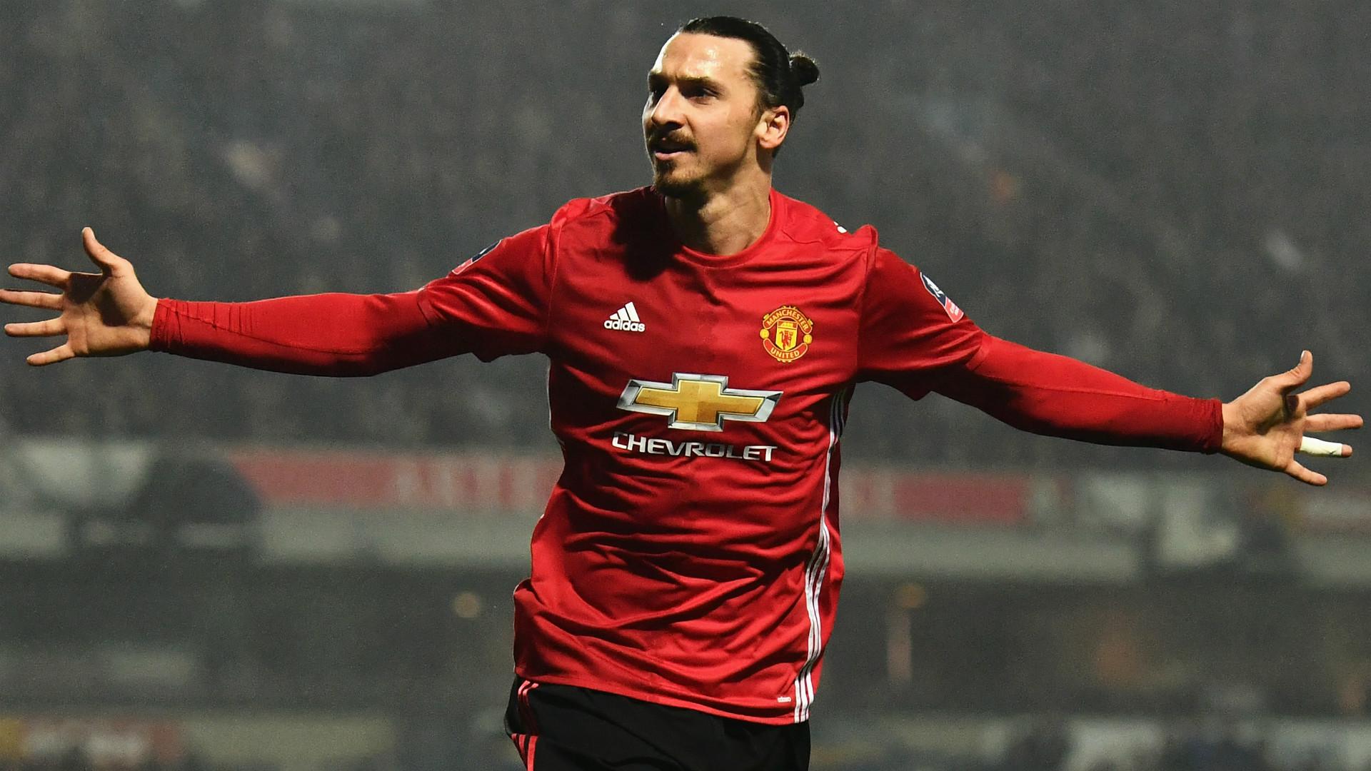 ZLATAN IBRAHIMOVIC | Manchester United | Sự xuất hiện của tiền đạo người Thụy Điển là điểm khác biệt trong một trận đấu khó khăn của các học trò HLV Jose Mourinho. Bàn ấn định tỉ số của Ibra cũng là lần thứ 24 anh ăn mừng ở mùa giải năm nay.