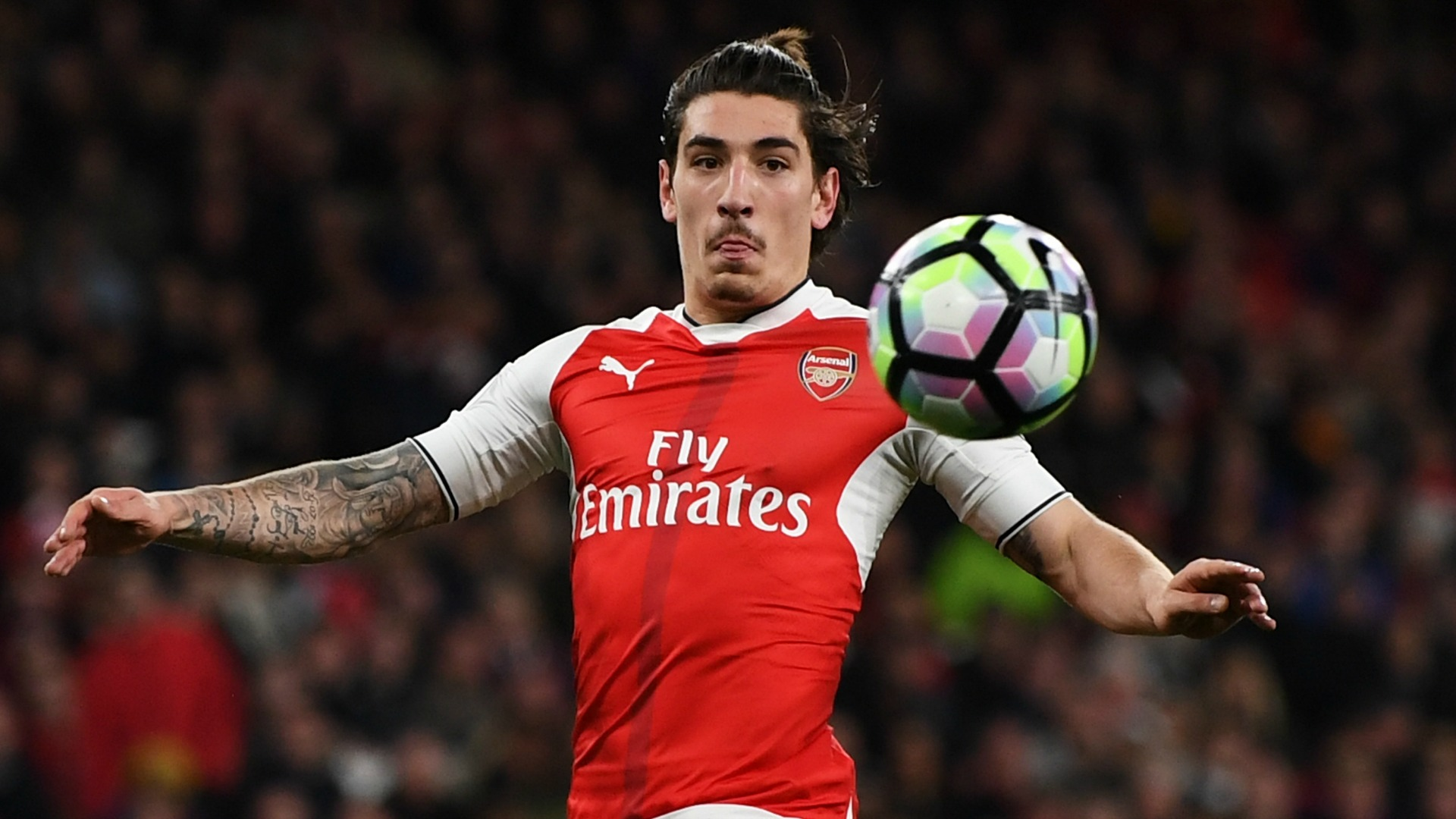 Bellerin rocks fresh haircut ahead of FA Cup