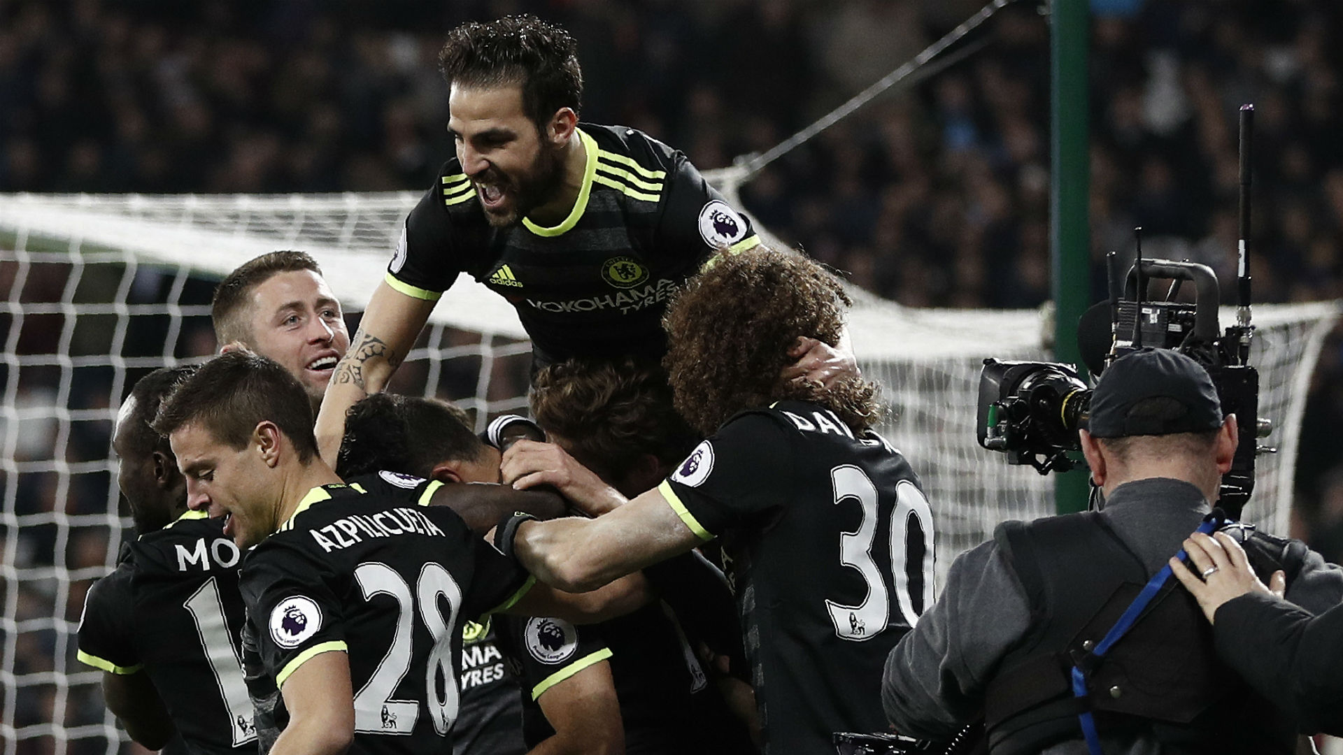 Chelsea celebrate v West Ham 06032017