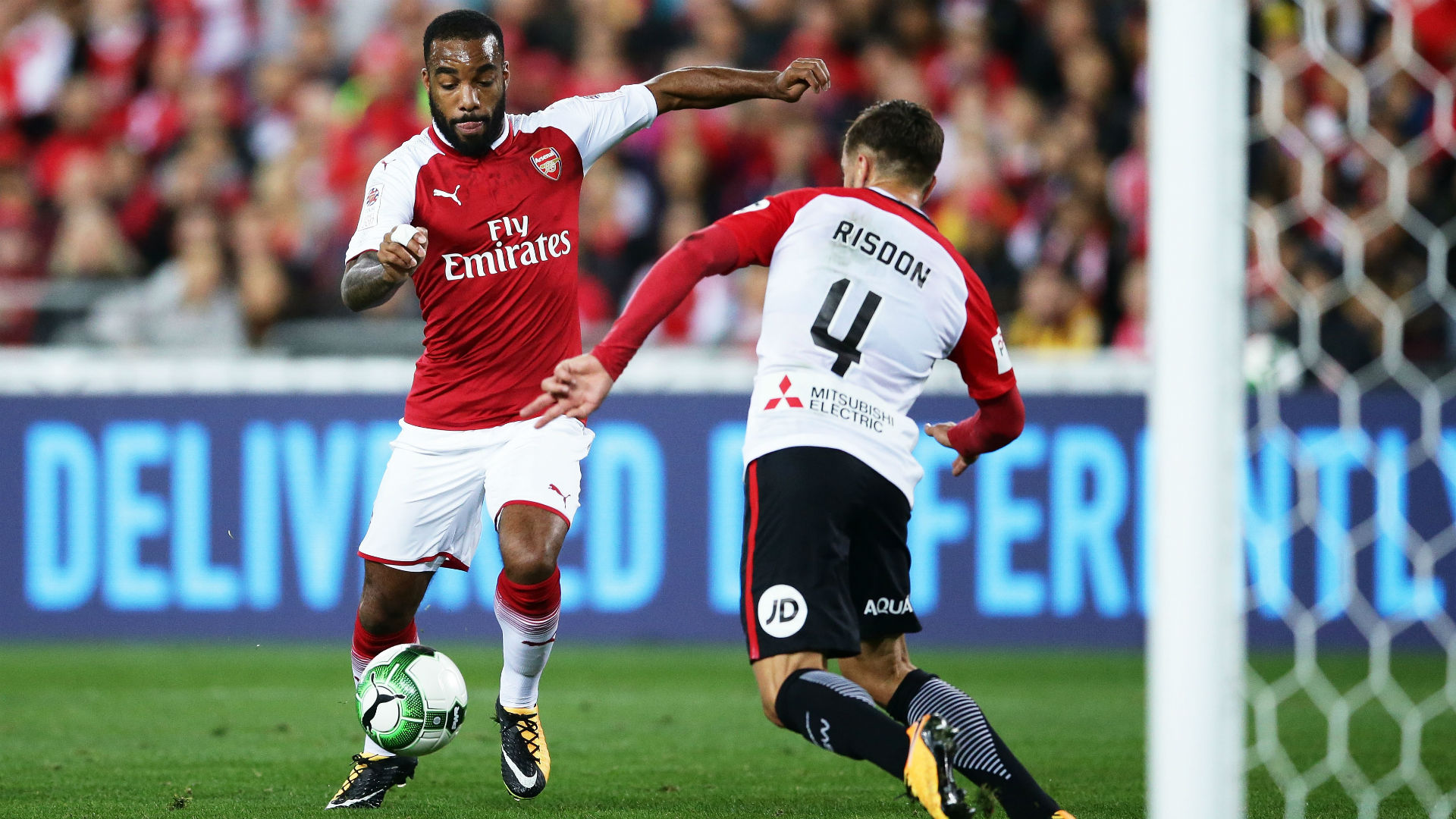 Report: Top winger's 'ambition' is to sign for Arsenal this summer