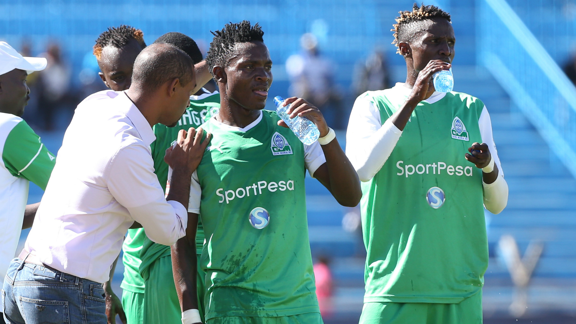 Gor Mahia coach Ze Maria instructs Kenneth Muguna and George Odhiambo