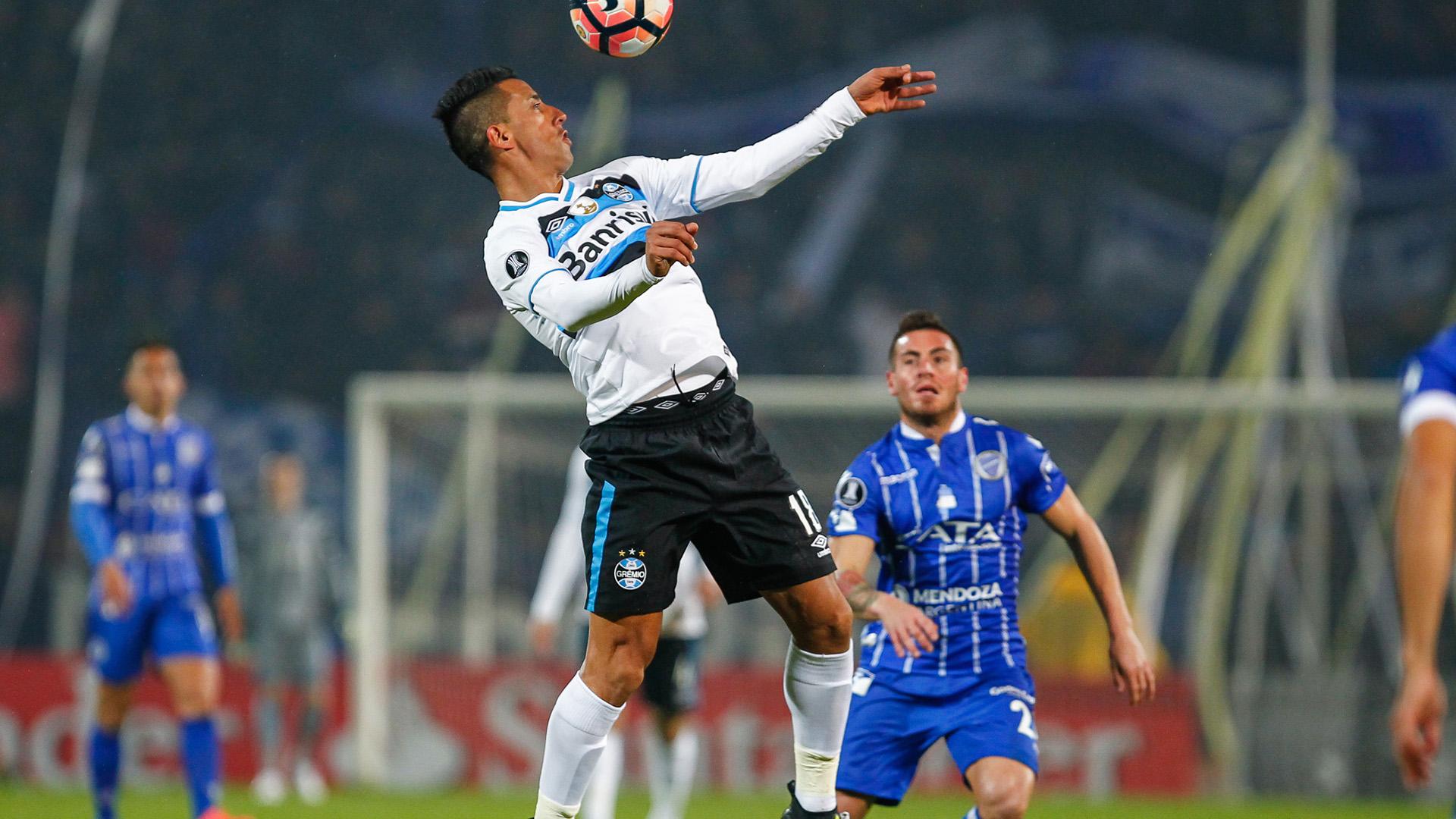 Lucas Barrios Godoy Cruz Gremio Libertadores 04072017