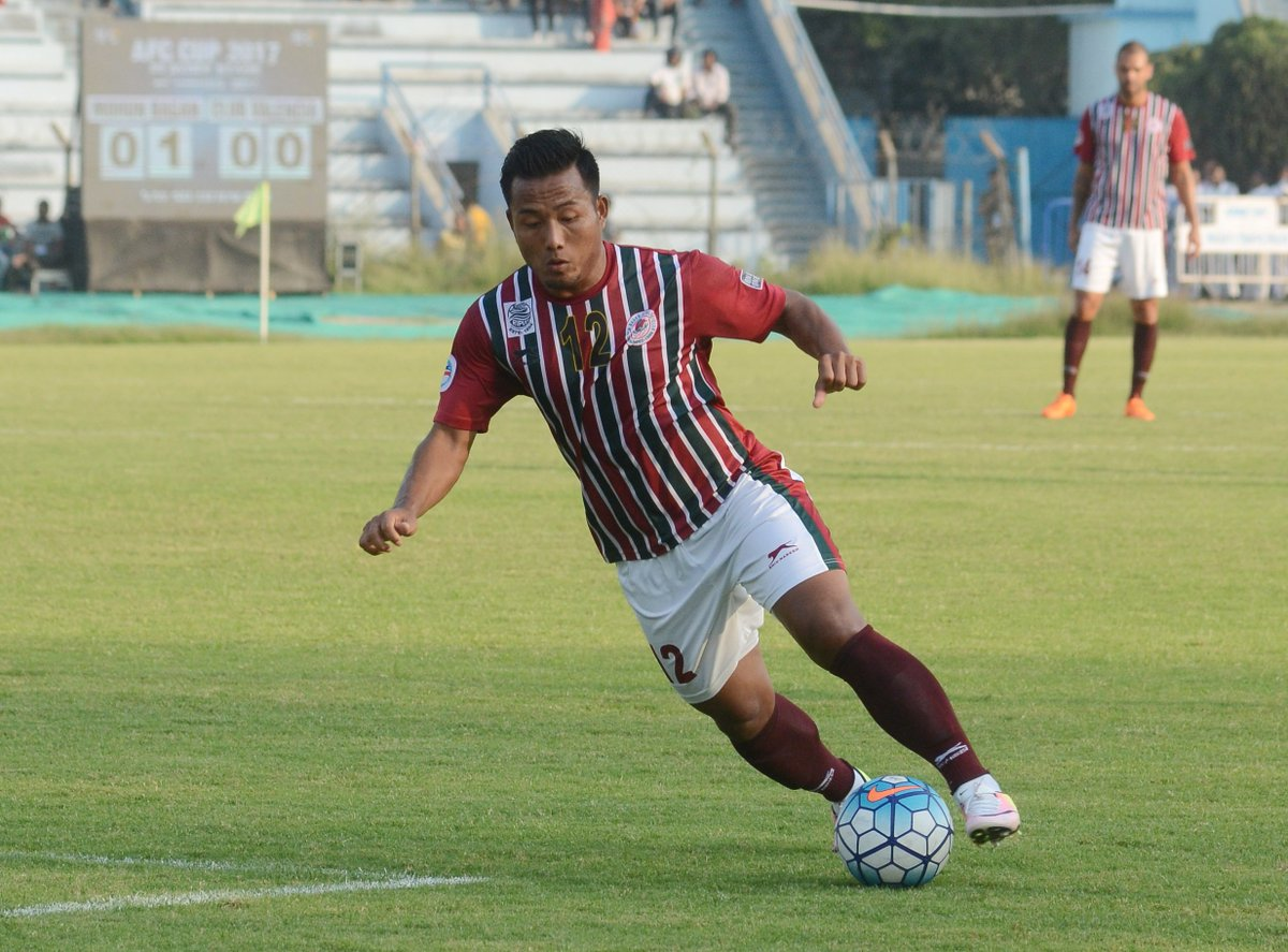 Jeje of Mohun Bagan in action against Club Valencia
