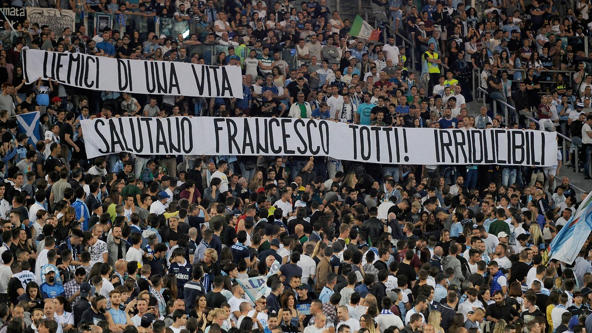 Francesco Totti banner Lazio fans