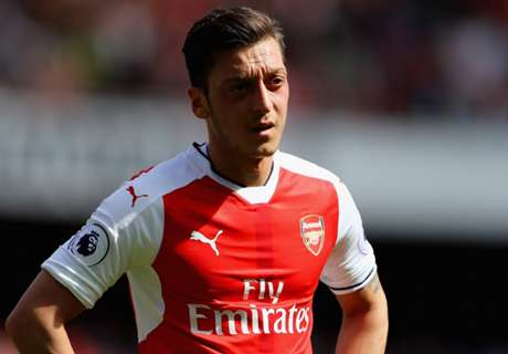 'Ozil not worth feeding, never mind a contract'