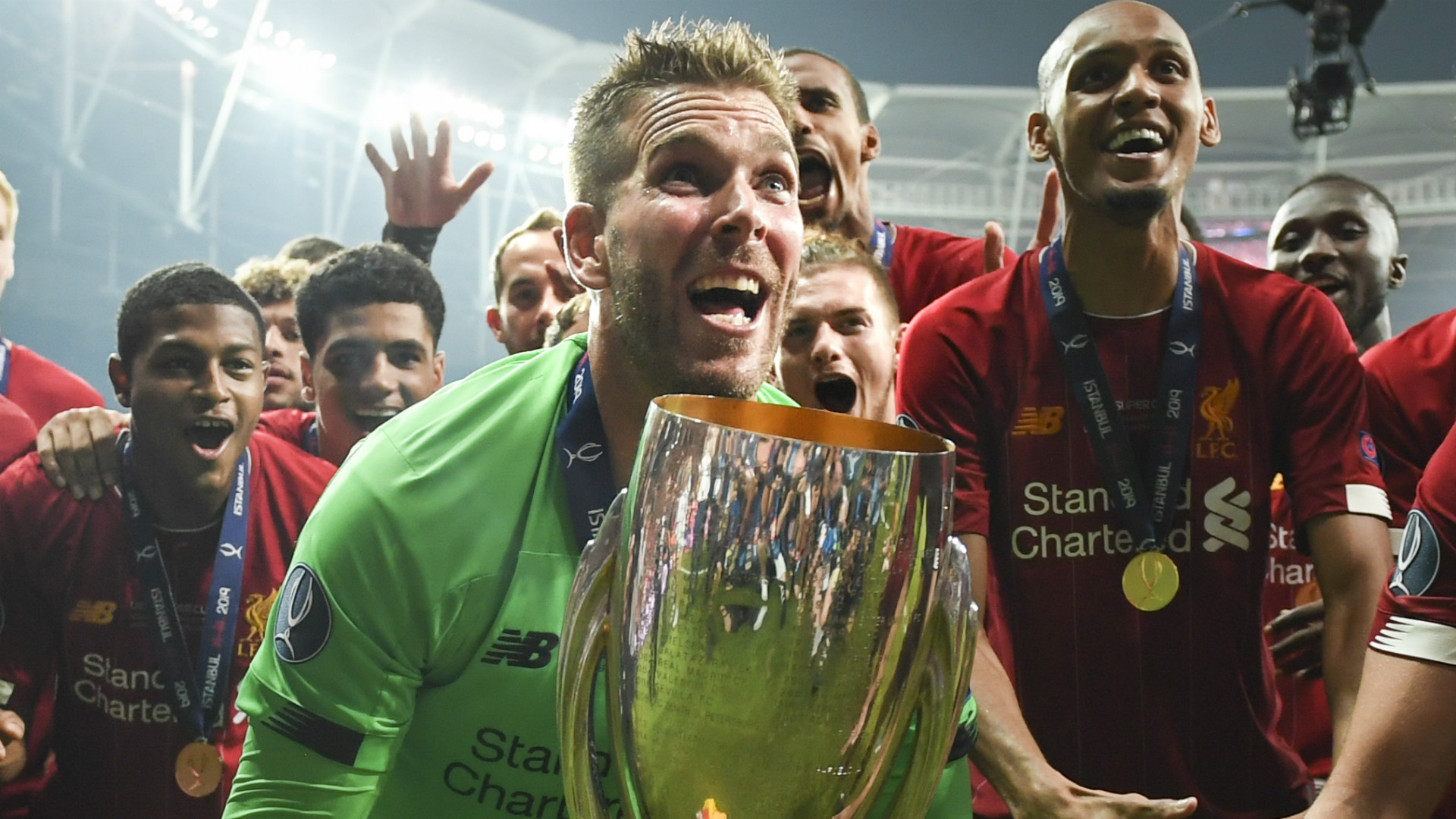 'Adrian can have my house for f*** all!' – Carragher offers home to Liverpool Super Cup hero