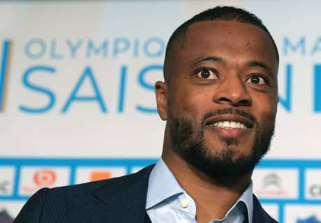 Evra's awesome singalong in Senegal