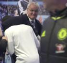 WATCH: Ranieri's Kante choke hold