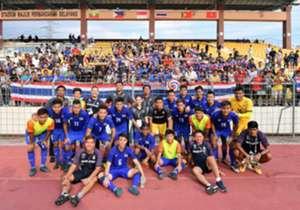 ทีมชาติไทยชุดซีเกมส์ที่ต้องเล่นท่ามกลางแดดเปรี้ยงเก็บชัยเหนือฟิลิปปินส์ได้สำเร็จ โกล ประเทศไทย เก็บบรรยากาศของเกมนี้มากฝากทุกท่าน