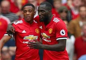 <p>Découvrez les notes des joueurs de Manchester United avec Pogba, Lukaku & co dans le nouvel opus de FIFA 18, produit par EA Sports.</p> <p>Récapitulatif complet sur la dernière slide</p>