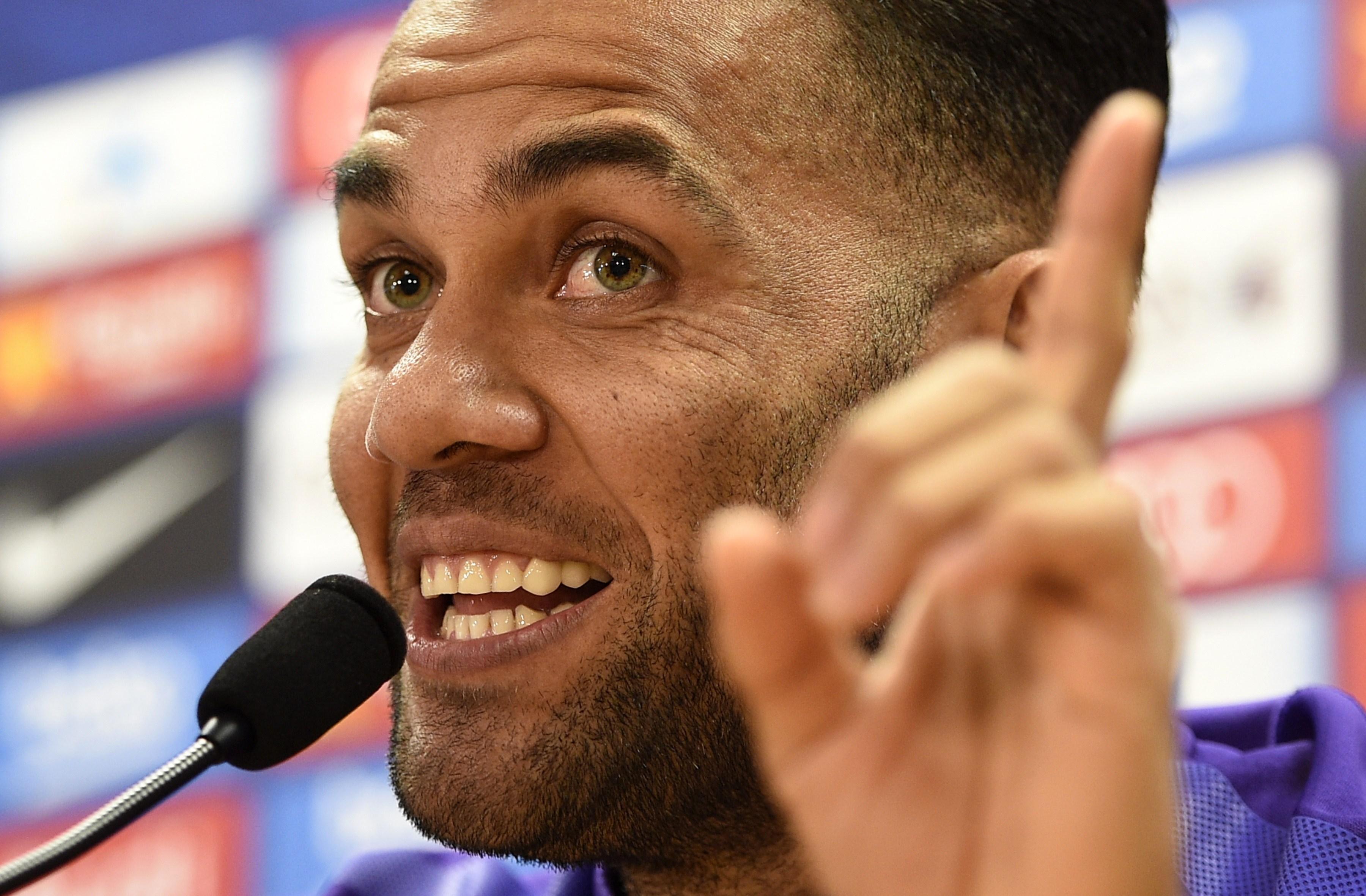 Dani Alves proche du PSG ?